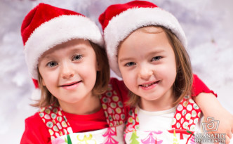Christmas Portraits by Abanathy Photography, LLC